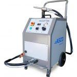 Dank einer integrierten Pelletmühle erlaubt der Ascojet 608 das Strahlen mit feinsten Eispartikeln, was eine noch schonendere Reinigung der Formen und Oberflächen garantiert. (Foto: Asco)
