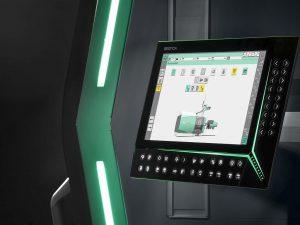 """Die Gestica-Steuerung der Zukunft baut auf den Vorteilen der bewährten Selogica auf und ist dazu voll kompatibel. Neue Features sind z. B. ein Full-HD-Bildschirm, ein schwenk- und höhenverstellbares Bedienpanel und der smarte """"Easyslider"""". (Foto: Arburg)"""