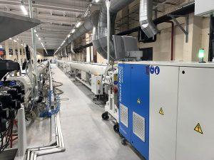 PP-R–Rohrproduktionslinien bei SLT Aqua in Betrieb. (Foto: Krauss Maffei Berstorff)
