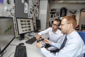 Kunststoffbauteile entstehen immer öfter nur noch am Computer - neu soll auch die Vorhersage der Bauteillebensdauer virtuell geschehen. (Foto: Ems)