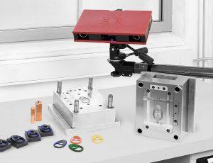 Der 3D-Scanner Atos Core eignet sich zur zuverlässigen Prüfung von Bauteilgeometrien mit komplexen Freiformflächen. (Foto: GOM)