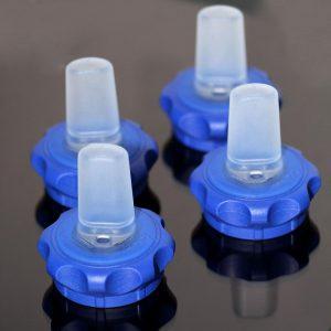 Der Trinkverschluss aus Thermoplast und LSR wird auf einer Mehrkomponenten-SmartPower gefertigt. (Foto: Wittmann)