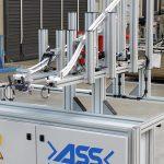 Zuführung mittels Bauteilrutsche für die Automation von Hülsen in Kleinauflage. (Foto: ASS)