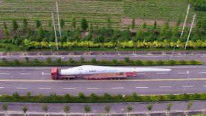 Das erste in Asien hergestellte Polyurethan-Rotorblatt, das für Windkraftanlagen mit Leistungen im Megawatt-Bereich geeignet ist, hat eine Länge von 37,5 m. (Foto: Covestro)