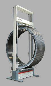 Prüfung von Rohren mit einem Durchmesser von bis zu 3,5 m. (Foto: Zwick)