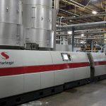 Die Starlinger recoSTAR PET165 HC iV+ recycling line hat eine Ausstoßkapazität von 1.900 kg/h. (Foto: Starlinger)
