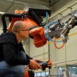 Riexinger: Robotergestütztes Extruderschweißen