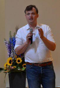 Prof. Alexander Markowetz erklärte die Ursachen für den digitalen Burnout und zeigte Wege, diesen zu vermeiden. (Foto: K-PROFI)