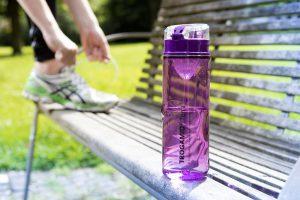 Die Ludavi-Trinkflasche bringt neben robusten Materialeigenschaften ein trendiges Design mit. (Foto: Evonik)