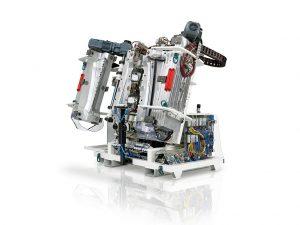 Werkzeuge für Weichschaumanwendungen kommen zum Beispiel im Automobil-Innenraum für Instrumententafeln, Türbrüstungen und Türarmauflagen zum Einsatz. (Foto: Krauss Maffei)