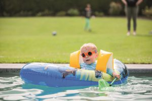 Die Sonnenbrille bietet guten Sitz mit Rundum-Augenschutz und hypoallergener Hautverträglichkeit. (Foto: Pyke)
