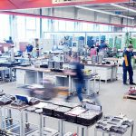 Moderne Technik im Maschinenpark ermöglicht eine präzise und schnelle Werkzeugherstellung. (Foto: Pöppelmann)