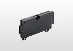 Neben zwei Zellenüberwachungseinheiten wird auch eine Batteriemanagement-Unit mit Pocan AF4130 gefertigt. Das verzugsarme und besonders flammwidrige PBT+ASA dient als Gehäusewerkstoff. (Foto: Hella)