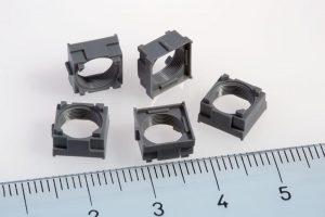 Fokussiervorrichtung – Beispiel für ein auf einer MicroPower industriell gefertigtes Bauteil mit Innengewinde. (Foto: Wittmann Battenfeld)