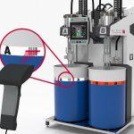 Elmet: Mehr Bediensicherheit beim LSR-Spritzgießen durch Barcode-Fasserkennung
