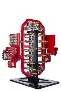 Die Produktmarke Mold-Masters von Milacron hat in der Fusion G2 Serie neue verbesserte Funktionen für die Herstellung großer Teile und von Automobilkomponenten entwickelt. (Foto: Milacron)