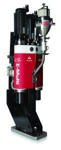 Die mit jeder Spritzgießmaschine kompatible vollelektrische Zusatzeinspritzeinheit E-Multi steht nun mit LSR-Fähigkeiten zur Verfügung. (Foto: Milacron)