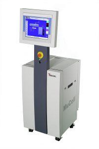 Mucell-Steuergeräte der T-Serie in autarker Version mit Bildschirm für das physikalische Schaumspritzgießen. (Foto: Trexel)