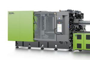 Neue Horizonte für die Automobilindustrie: Auf einer duo 500 Spritzgießmaschine wird Engel auf der Fakuma zum erstem Mal Exterieur-Bauteile im clearmelt Verfahren produzieren. (Foto: Engel)