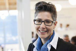 """Nadine Despineux, Vice President Sales bei Krauss Maffei: """"Mit uns kann man sich Produktionskapazität nur für den benötigten Zeitraum flexibel mieten."""" (Foto: K-AKTUELL)"""
