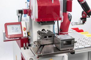 Die vollautomatische Produktion mit Einlege- und Entnahmeteilen ist einfach und unkompliziert realisierbar. (Foto: Babyplast)