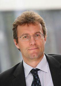 Peter Egger, Director Advanced Technologies von Engel und Vorstandsvorsitzender der VDMA-Arbeitsgemeinschaft Hybride Leichtbautechnologien. (Foto: Engel)