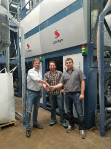 Langjährige Zusammenarbeit: Richard Wüllner (BTB), Christian Lovranich (Starlinger), Andrzej Zajontz (BTB). (Foto: Starlinger)