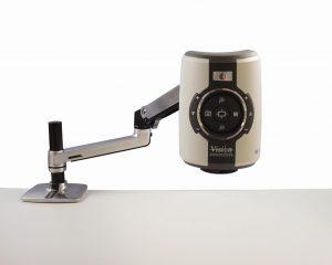 Die neue Variante des Digitalmikroskops Evo Cam mit variablem Gelenkarm bietet optimale Positionierungsmöglichkeiten und ein Manövrieren des Arms ohne Kraftaufwand. (Foto: Vision Engieering)