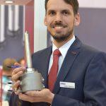 Witosa: Große Bauform für Heißkanaldüse mit integriertem Nadelverschluss