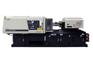 Eine vollelektrische 1.100-kN-Spritzgießmaschine aus der TE-Baureihe der koreanischen Marke Woojin Plaimm produziert auf dem Stand des GKV/TecPart Verbands. (Foto: Woojin Plaimm)