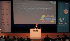 Geschäftsführer Martin Schürmann stellte die rasante Entwicklung von Desma in den Mittelpunkt seiner Eröffnungsrede. (Foto: Desma)