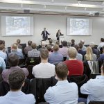 Arburg: Leitrechner-Experten im Dialog