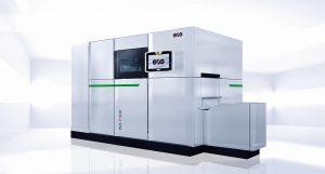 Die EOS P 500 ist eine automatisierbare Fertigungsplattform zum Laser-Sintern von Kunststoffteilen im industriellen Maßstab. (Foto: EOS)