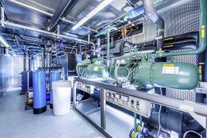 Zu den Energiesparmerkmalen der Anlage gehören eine gleitende Kondensationstemperaturregelung, Winterentlastung und Wärmerückgewinnung. (Foto: L&R)