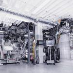 Die zweite PUR RIM-Hochdruckbeschichtungsanlage für unterschiedliche Gieß- und Sprühanwendungen sowie den freien Verguss eröffnet neue Möglichkeiten bei der Weiterentwicklung der RIM-Technologie. (Foto: Votteler)