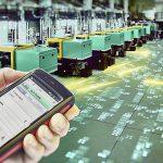 """Als zentraler Baustein von Industrie 4.0 sorgt das Arburg Leitrechnersystem ALS für eine durchgängige informationstechnische Vernetzung der Spritzteilproduktion. Neu ist z. B. das Modul """"Mobile Maintenance"""" für mobile Endgeräte. (Foto: Arburg)"""