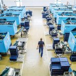 102 Spritzgießmaschinen von Sumitomo (SHI) Demag umfasst der Maschinenpark der FEP Fahrzeugelektrik Pirna. (Foto: Sumitomo (SHI) Demag)