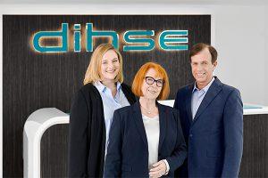 v.l.n.r.: Cindy Dihse-Hypko (stellv. Geschäftsführerin), Katharina Dihse-Hypko (geschäftsführende Gesellschafterin), Peter Schmitt (Prokurist & Betriebsleiter). (Foto: Sumitomo (SHI) Demag)