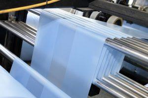 Über 20 Tonnen Kunststoff pro Tag verarbeitet mk Plast täglich zu Kunststofffolien. (Foto: some.oner; Yashar Khosravani)
