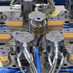 Die neuen, als Pressure Blocks bezeichneten Druckplatten sorgen für eine Versteifung des Werkzeugs und zugleich für ein gleichmäßiges Temperaturprofil über das gesamte Heißkanalsystem. (Foto: HRSflow)