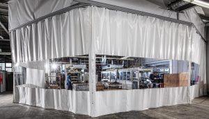 Der Sauberraum schützt den sensiblen Produktionsbereich vor Verunreinigungen. (Foto: AL-KO)