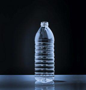 Mit Factor 100 entwickelte KHS Corpoplast ein Leichtgewicht für stilles Wasser. (Foto: KHS-Gruppe)