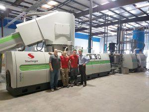 Es kann losgehen: Mitarbeiter von Avangard und Starlinger freuen sich über die erfolgreiche Inbetriebnahme. (Foto: Starlinger)