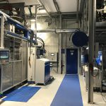 Die im Technikum installierte Partikelschäumanlage lässt sich bei Bedarf mit einer Thermo Foamer-Ausrüstung für das dampfarme Partikelschäumen umstellen. (Foto: T. Michel Formenbau)