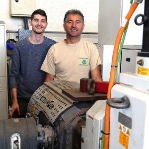 """Candi-Geschäftsführer Gheorghe Campan (r.) und Sohn Andreas sind sich einig: """"Ettlinger hat uns mit seinem Know-how überzeugt."""" (Foto: Ettlinger)"""