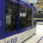 Auf einer KBB40D werden zur NPE 600-ml-Flachovalflaschen für den Kosmetikbereich hergestellt. (Foto: Kautex)