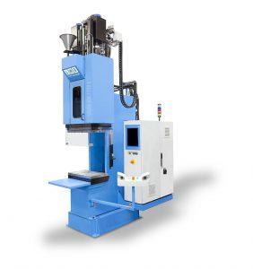 Die Prozessstabilität der neuen TPE-Technologie hat Kraiburg TPE gemeinsam mit LWB Steinl auf einer Vertikalmaschine erprobt und optimiert. (Foto: LWB Steinl)