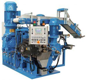 Der Feinstrainer roll-ex 220 TRF erreicht einen Durchsatz bis zu 2.500 kg/h. (Foto: Uth)