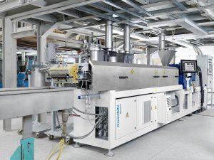 Zweischneckenextruder ZE Basic produziert neben Lignin-basierten Produkten auch Compounds aus natürlichen Produkten. (Foto: KraussMaffei Berstorff)