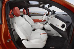 Zu einem ganzheitlichen, nutzerorientierten Energiemanagement im Innenraum eines Elektrofahrzeugs trägt zum Beispiel Phase Changing Material (PCM) im Armaturenbrett bei, das die Wärme aus der Sonneneinstrahlung ableitet. (Foto: Fiat)